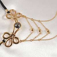 Brandebourgs Knot with Chains G-String in Gold